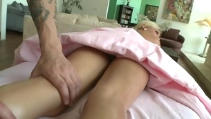 Chick gets salacious drilling till jizz flow spews on her twat