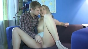 Bung up is having randy fun pounding lusty chicks can hole