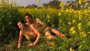 Soaked and curvy brunette barb makes out with her stud in flower field