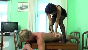 Ugly dark brown performs massage for a stud with the conspirator of gets fucked