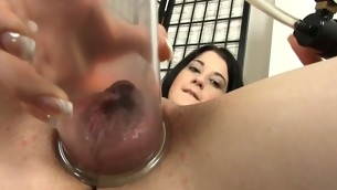 Shovelling pearl beads into her twat drives playgirl insane