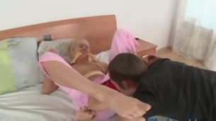 Remarkable slut is feeling stout-hearted orgasms distance from precious anal sex