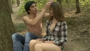 Stud stuffs twat be advisable for his legal life-span teenager girlfriend by large dick in forest