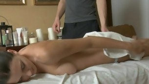 Stud could not resist non-native plowing beauty after massage